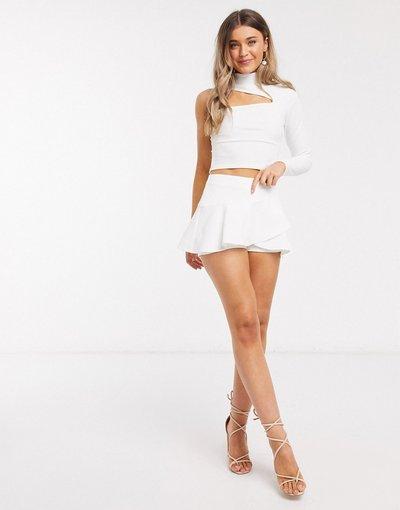 Bianco donna Gonna pantalone a portafoglio con volant bianca - In The Style x Saffron Barker - Bianco
