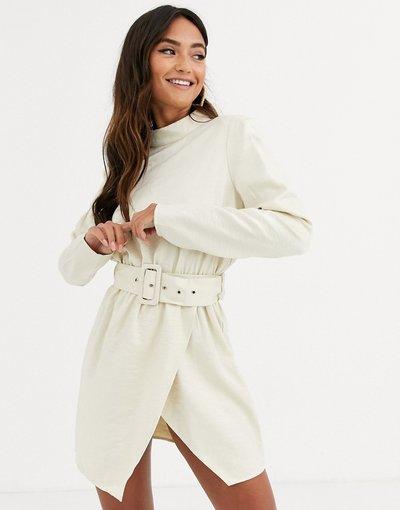 Bianco donna Vestitino a collo alto color crma scintillante con cintura - In The Style x Stephsa - Bianco