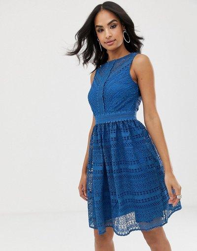 Blu donna Vestito skater midi senza maniche in pizzo con motivo geometrico - Little Mistress - Blu