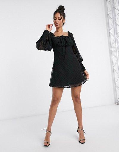 Eleganti pantaloni Nero donna Vestito skater in tessuto plumetis a rete nero con scollo squadrato - Missguided