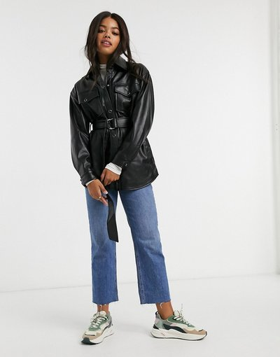 Nero donna Camicia giacca in pelle sintetica nera con cintura - Pull&Bear - Nero
