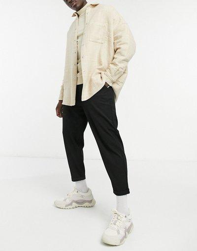 Nero uomo Pantaloni corti neri con tasca e catena - Pull&Bear - Nero