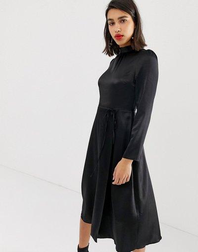 Nero donna Vestito midi nero in raso annodato in vita - River Island