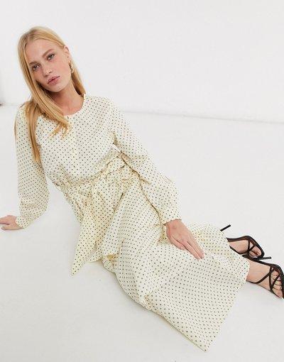 Crema donna Vestito crema olio di mandorle - Selected - Nova