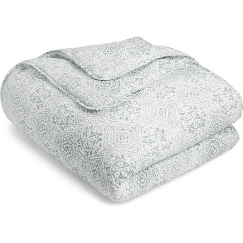 Matelassé Tile Print Quilted Bed Throw