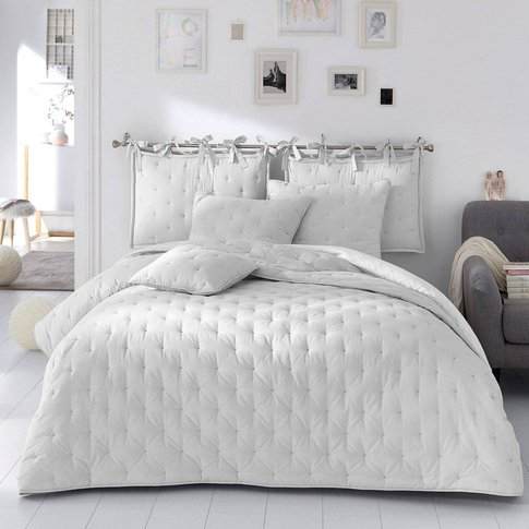 Aeri Bedspread With Contrasting Embroidered Circles