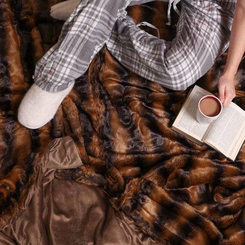Luxurious Large Faux Fur Throw