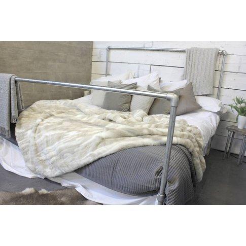 Harveer Galvanised Steel Pipe Kingsize Bed