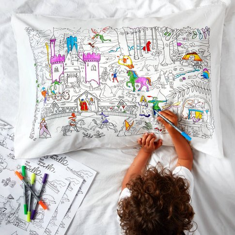 Fairytale Pillowcase Kit + 10 Pens, Colour In And Learn