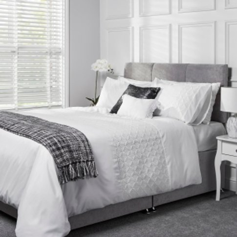Emma Quilted Duvet Cover And Pillowcase Set - White ...