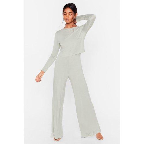 Womens Pyjama Top & Pantalon Large Volanté J'Ai Largement Bien Dormi - Nasty Gal - Modalova