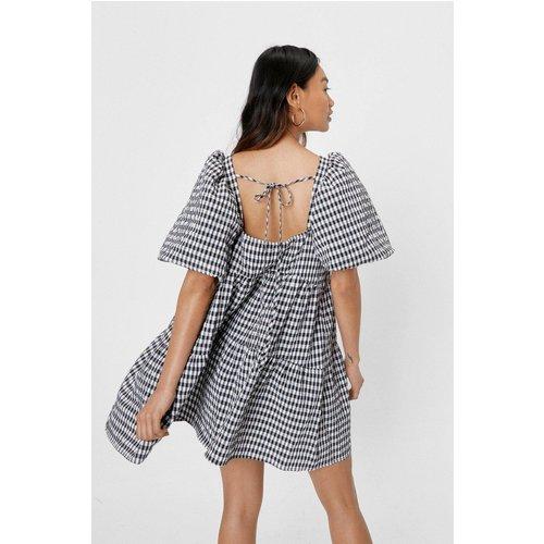 Petite Gingham Print Puff Sleeve Tiered Smock Dress - Nasty Gal - Modalova