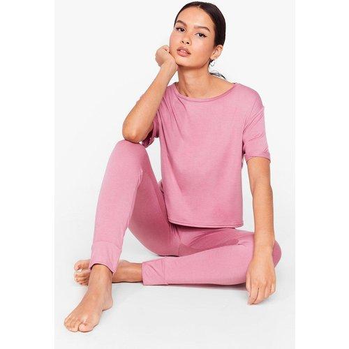 Womens Pyjama T-Shirt & Pantalon De Jogging Je Vais Dormir Sur Mes Deux Oreilles - Nasty Gal - Modalova