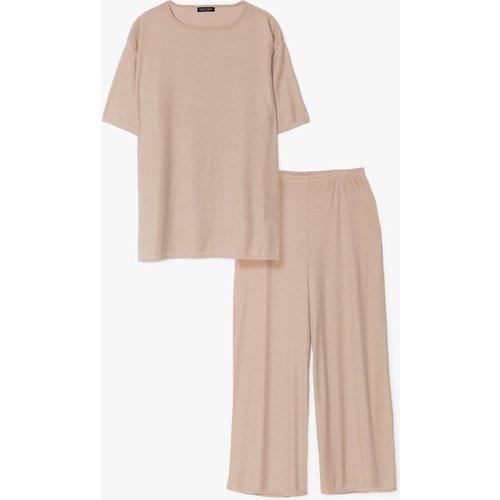 Womens Grande Taille - Ensemble Confort T-Shirt & Pantalon Large Côtelés - Nasty Gal - Modalova