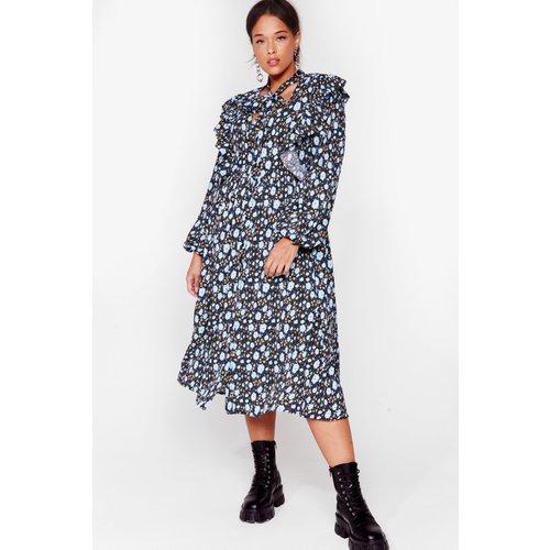 Womens Grande Taille - Dressing Gown Midi Volantée À Imprimé Fleurs - Nasty Gal - Modalova