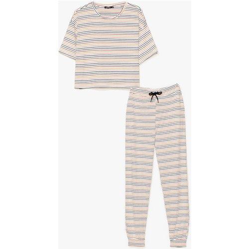 Womens Pyjama T-Shirt & Pantalon À Rayures - Nasty Gal - Modalova