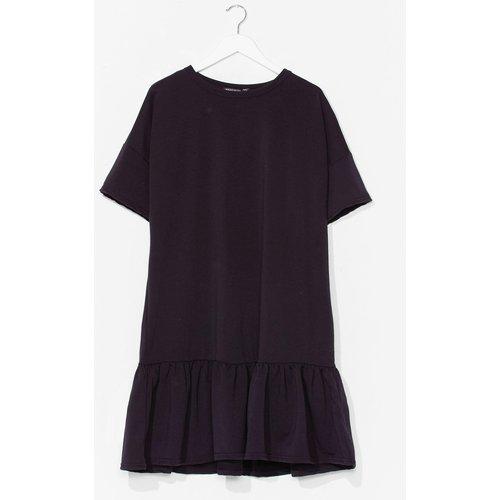 Womens Grande Taille - Dressing Gown T-Shirt À Ourlet Volanté Ça S'Envole Et Ça Revient - Nasty Gal - Modalova