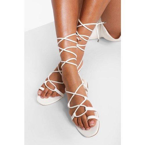 Sandales Croisées Avec Entre-Doigts - boohoo - Modalova