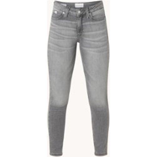 Jean skinny taille moyenne avec délavage coloré - Calvin Klein - Modalova