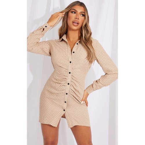 Robe chemise à boutons et imprimé carreaux - PrettyLittleThing - Modalova