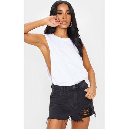 Short mom en jean noir déchiré - PrettyLittleThing - Modalova