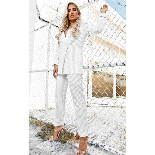 Pantalon droit à fines rayures taille haute - PrettyLittleThing - Modalova