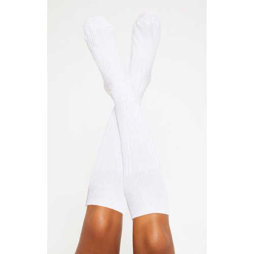 Hautes chaussettes blanches style football - PrettyLittleThing - Modalova