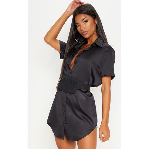 Robe chemise satinée à manches courtes - PrettyLittleThing - Modalova