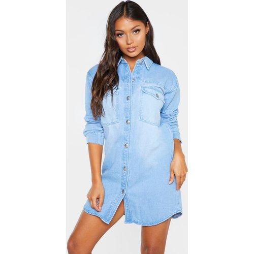 Petite - Robe chemise en jean clair délavé - PrettyLittleThing - Modalova