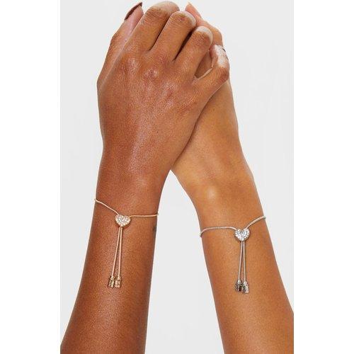 Bracelet style brésilien à coeur strassé - PrettyLittleThing - Modalova