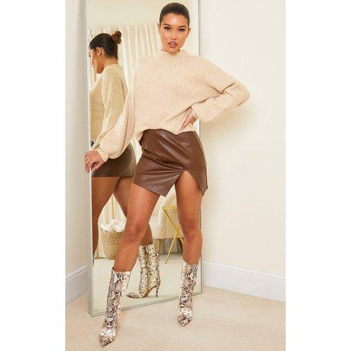 Mini-jupe fendue en similicuir - PrettyLittleThing - Modalova