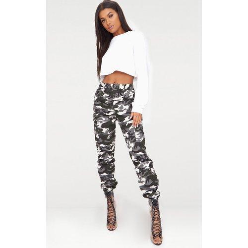Pantalon cargo gris imprimé camouflage - PrettyLittleThing - Modalova