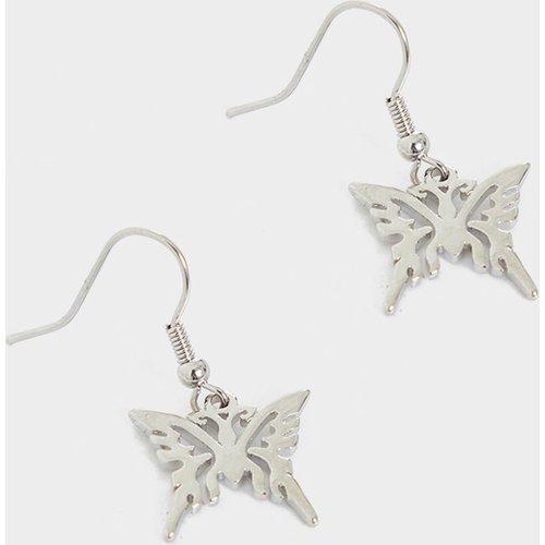 Boucles d'oreilles découpées à papillons - PrettyLittleThing - Modalova
