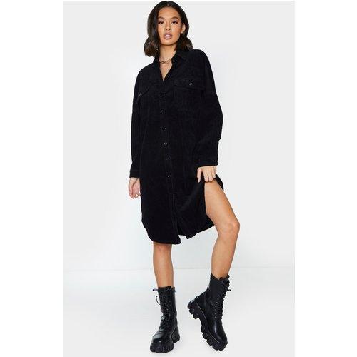 Robe chemise oversize en velours côtelé  - PrettyLittleThing - Modalova