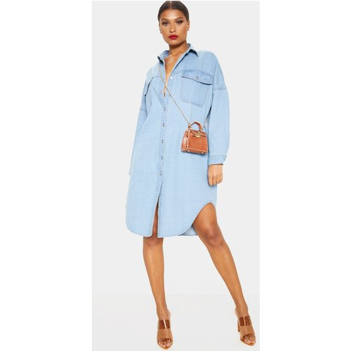 Chemise longue en jean très délavé oversize - PrettyLittleThing - Modalova
