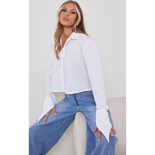 Chemise courte blanche à manches longues - PrettyLittleThing - Modalova