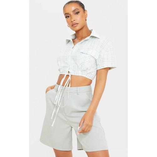 Chemise courte détail poches à carreaux et manches courtes - PrettyLittleThing - Modalova