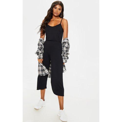Combinaison à bretelles style jupe-culotte - PrettyLittleThing - Modalova