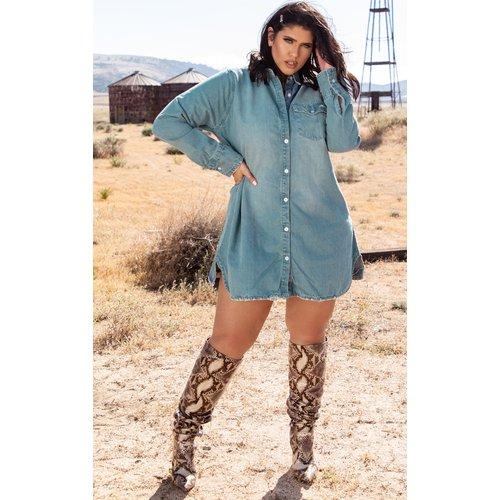 PLT Plus - Robe chemise en jean oversize - PrettyLittleThing - Modalova