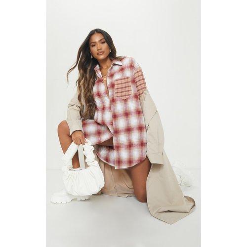 Robe chemise à carreaux contrastants - PrettyLittleThing - Modalova