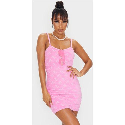 Robe de plage en éponge rose, Rose - PrettyLittleThing - Modalova