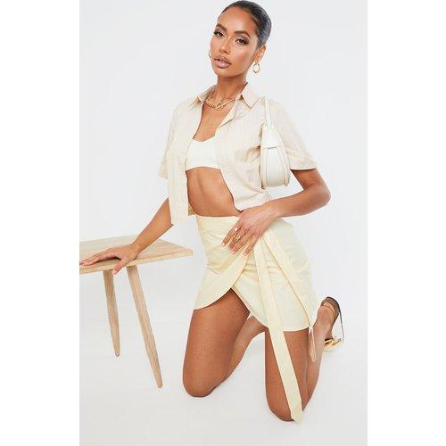 Mini-jupe à coupe portefeuille - PrettyLittleThing - Modalova