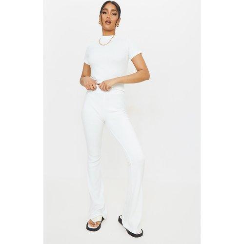Pantalon évasé côtelé doux taille haute - PrettyLittleThing - Modalova