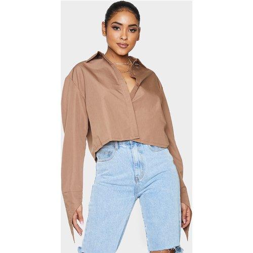 Chemise courte marron à manches longues - PrettyLittleThing - Modalova