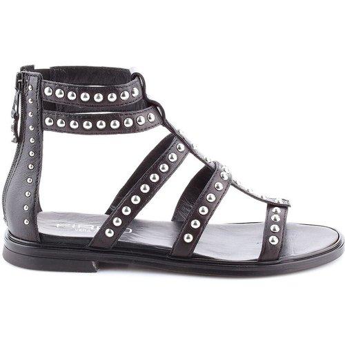 Sandales cuir détail clous Gram - MJUS - Modalova