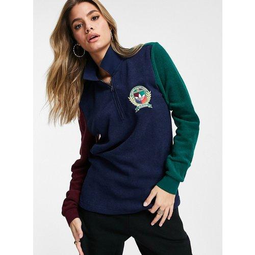 Polo en tissu éponge effet color block avec logo et écusson style universitaire - Multicolore - adidas Originals - Modalova