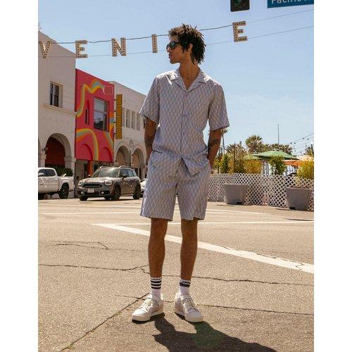 Summer Club - Chemise manches courtes avec logo sur l'ensemble - Lilas - adidas Originals - Modalova