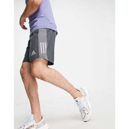 Adidas - Short de course à logo BOS - adidas performance - Modalova