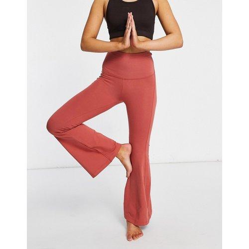Pantalon de yoga évasé en coton doux - ASOS 4505 - Modalova