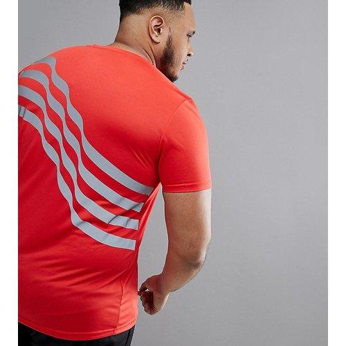 Plus - T-shirt avec imprimé réfléchissant dans le dos - ASOS 4505 - Modalova